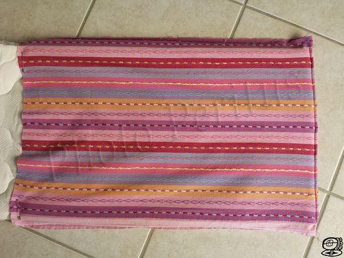 e93abbd13c2a DIY - Porte bébé pour poupée Comment recycler un rideau, un coutil de  matelas et un sac à dos... en faisant un porte bébé pour la poupée de ma  fille.