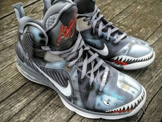 Mache customs never let you down with its imagination!! i prefer to call this Nike Lebron 9 an artwork other than a sneaker