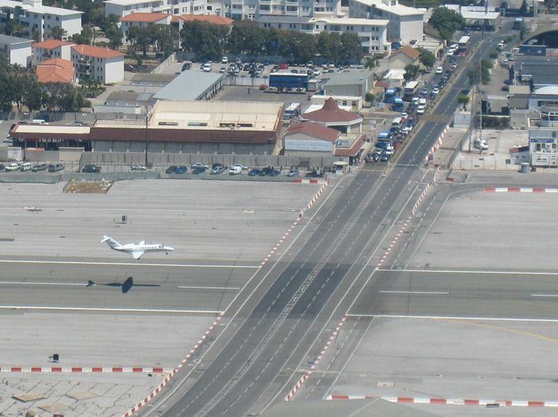 Resultado de imagen para Aeropuerto Internacional de Gibraltar
