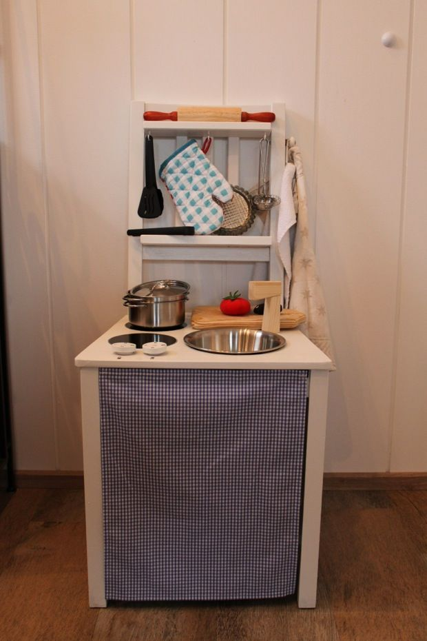 Ein Spielküchenstuhl… | Stühle küche, Diy spielküche und ...