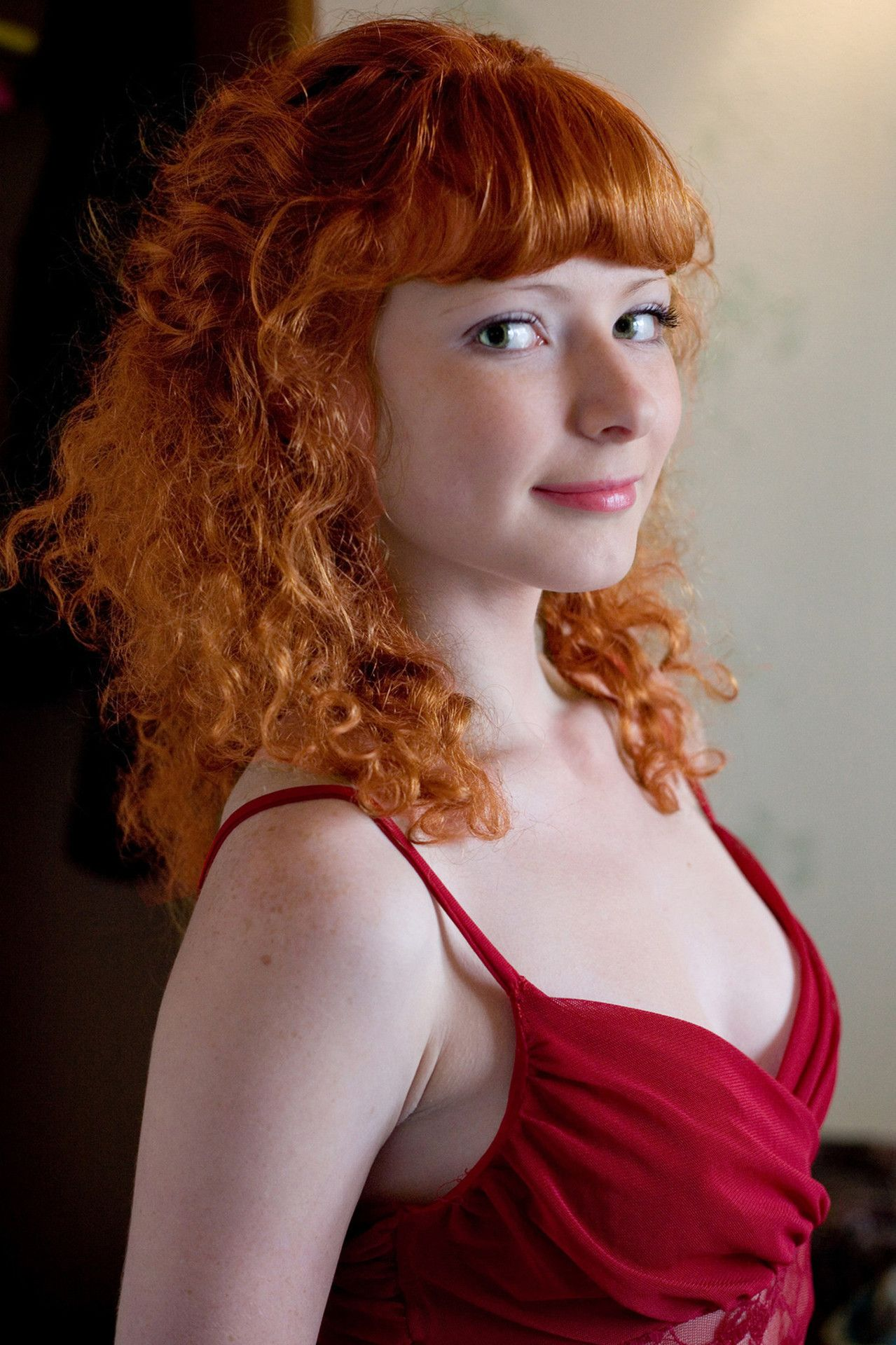 curly redhead looking at you | Redheads, Red hair