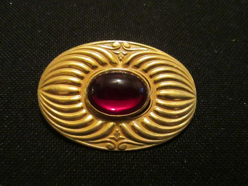 Signed Miriam Haskell Brooch gold tone oval Large Red Cab EUC carved metal #MiriamHaskell
