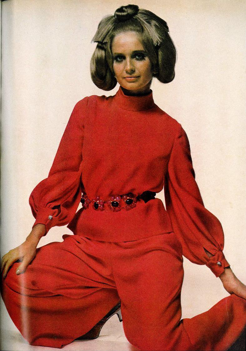 1968usvogue 1960s fashion women, Sixties fashion
