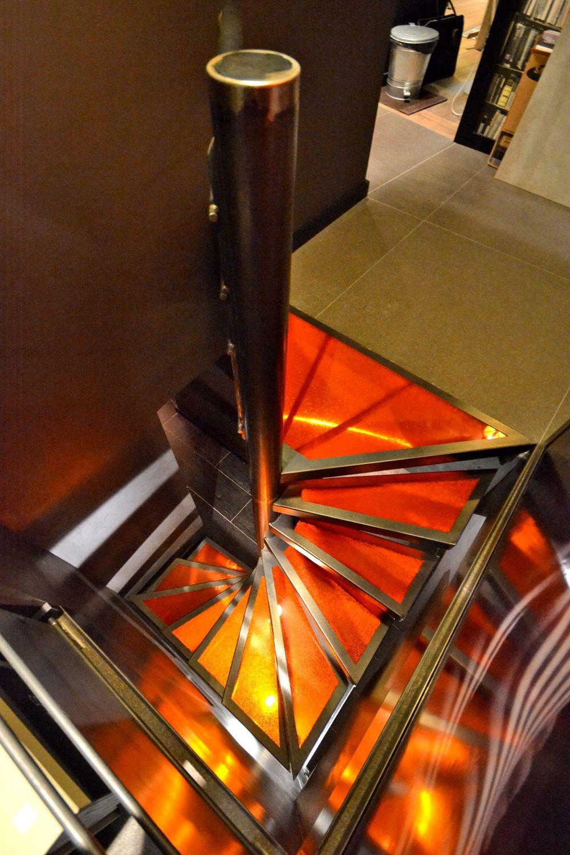 Escalera de caracol cuadrada eliko eli002 colecci n eliko - Escaleras para sotanos ...