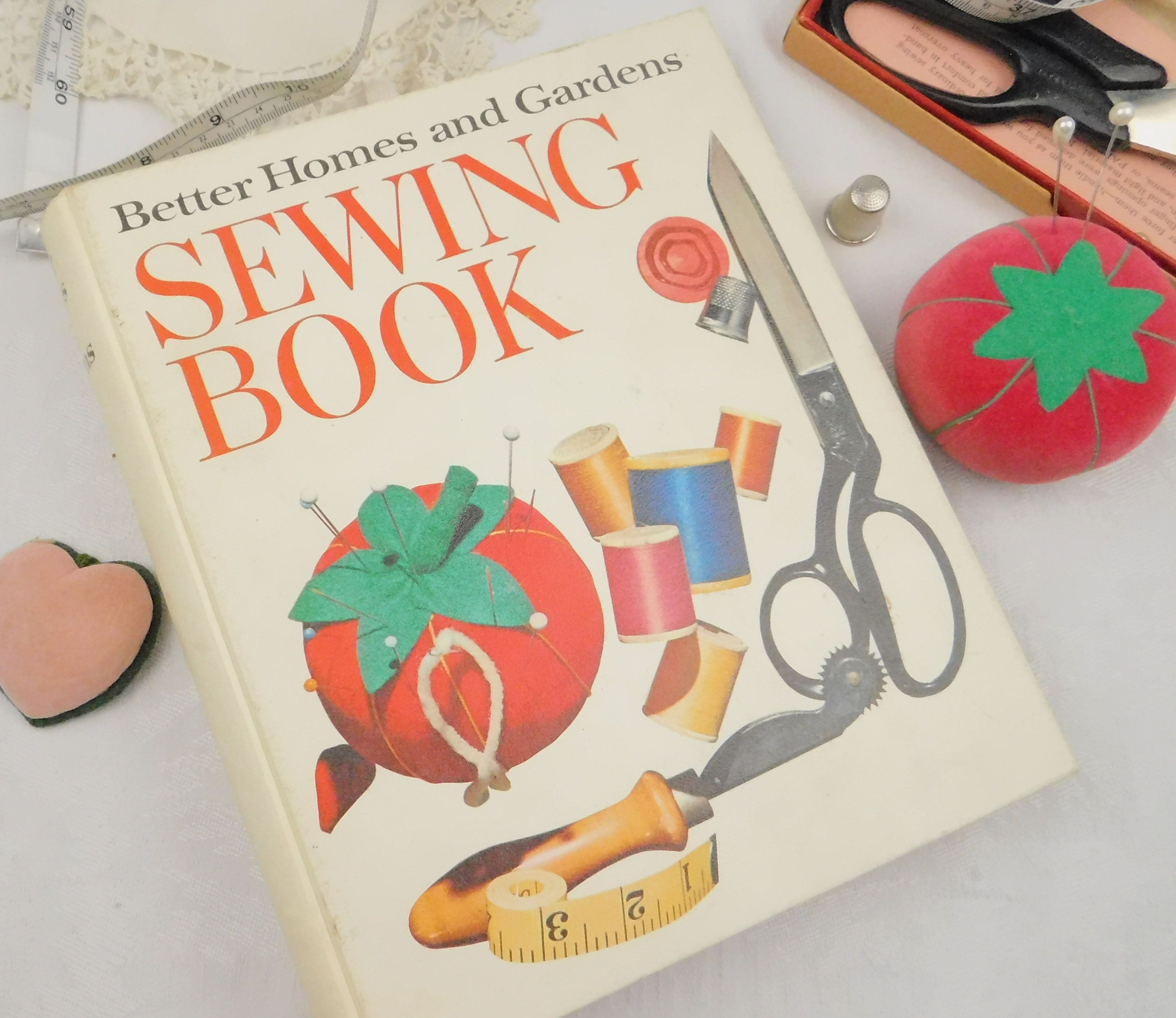 Better Homes And Gardens Sewing Book 1970