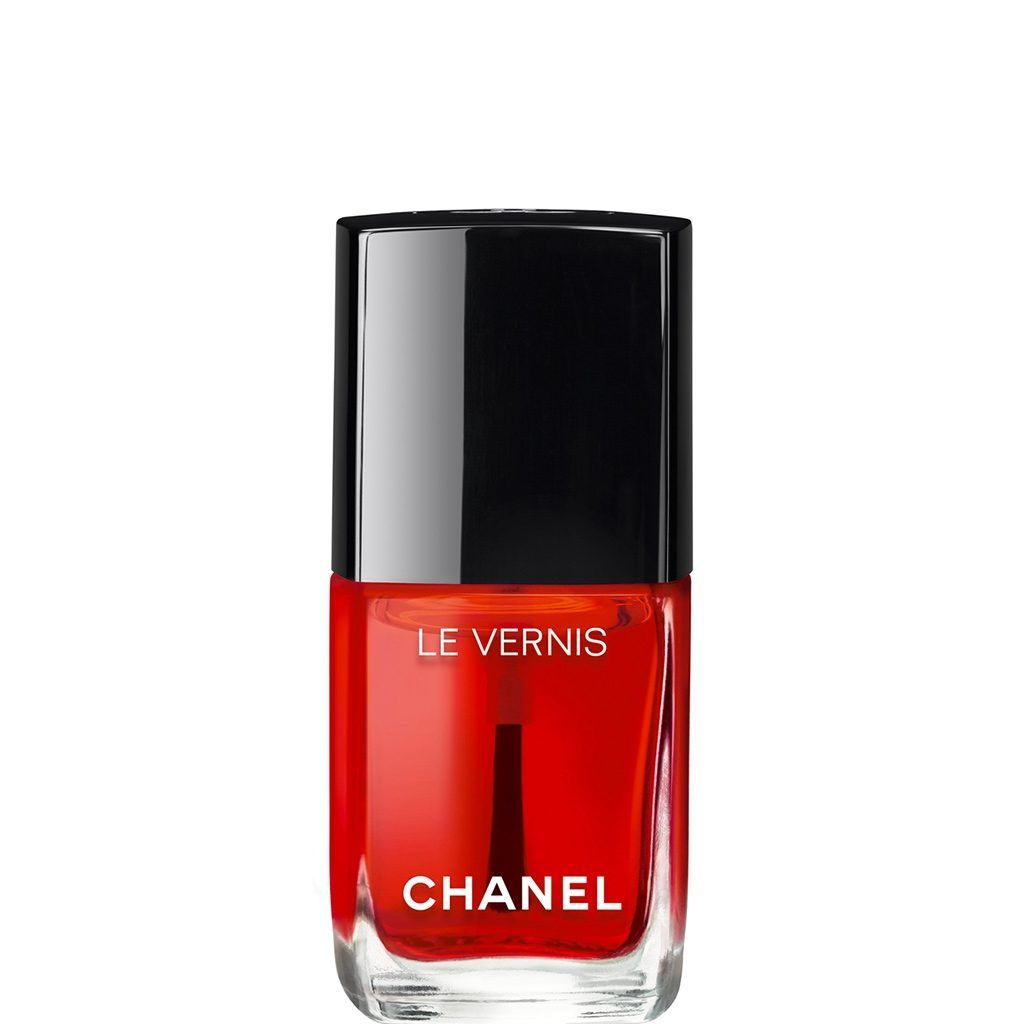 Limited Edition Collection N 1 Le Rouge Fall 2016 Rouge Radical Is A Surprising Gloss Polish With A Transl Chanel Nails Chanel Nail Polish New Nail Colors