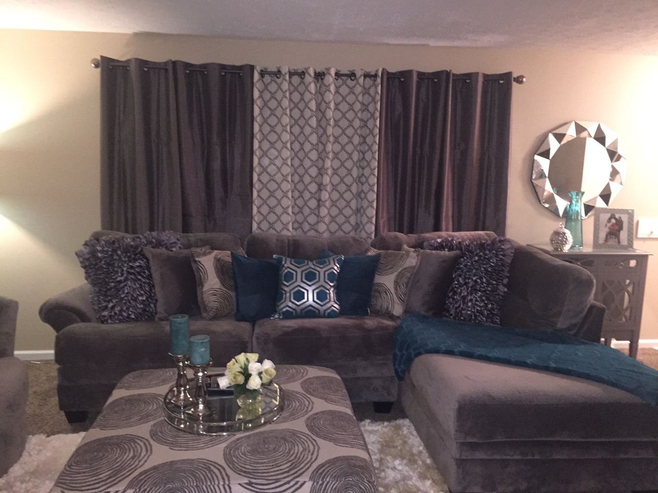 Grey And Teal Living Room Decor. Cozy.