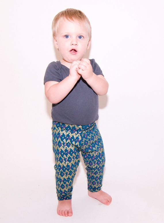 i love leggings on boys. Niño moda ropa