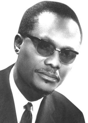 Holden Roberto Lider Fundador Da Fnla Black History Mens Sunglasses Sunglasses