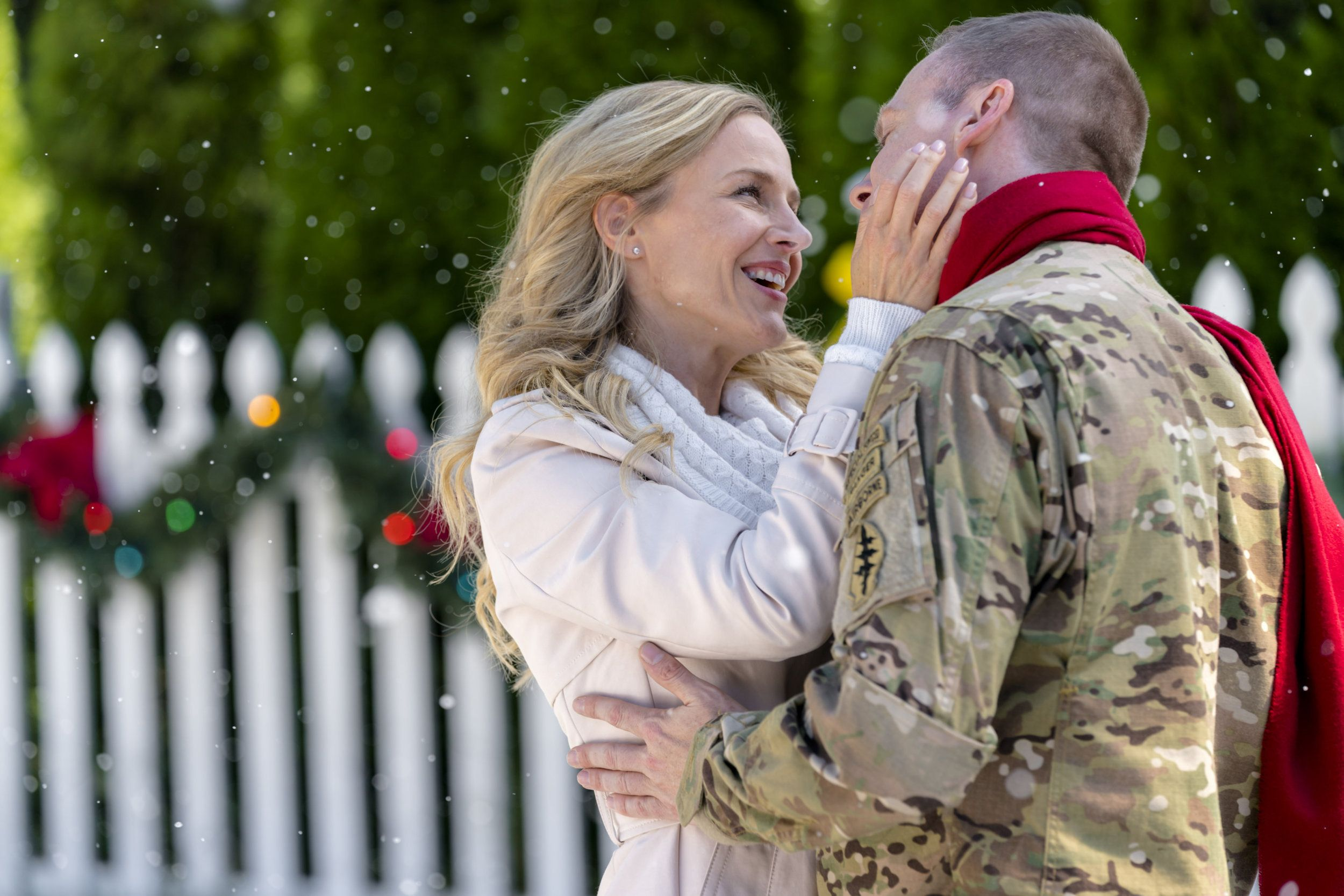Christmas Homecoming Hallmark.Check Out Photos From The Hallmark Movies Mysteries