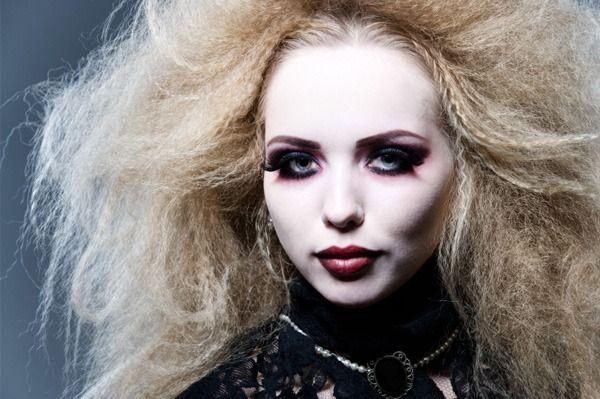 Lluvia de ideas peinados de vampiras Fotos de tutoriales de color de pelo - Pin de Barbarossa en Peinados para Halloween | Peinados de ...