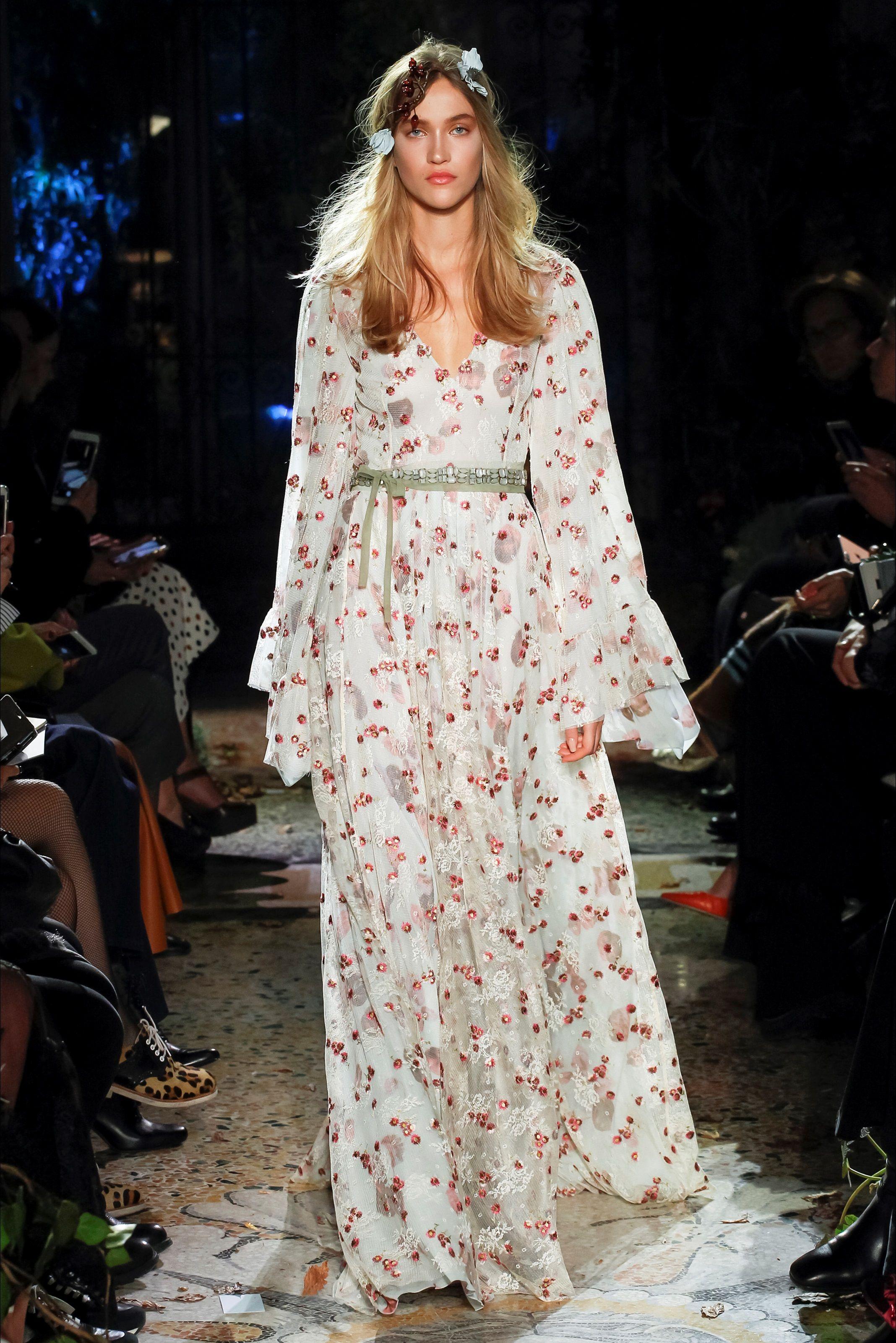 Luisa Beccaria Milano - Pre-Spring 2018 - Shows - Vogue.it ... 94b830d75cc