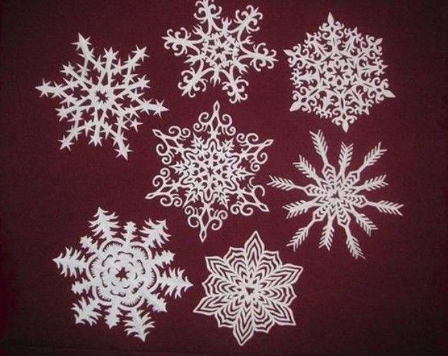 Sněhové vločky z papíru