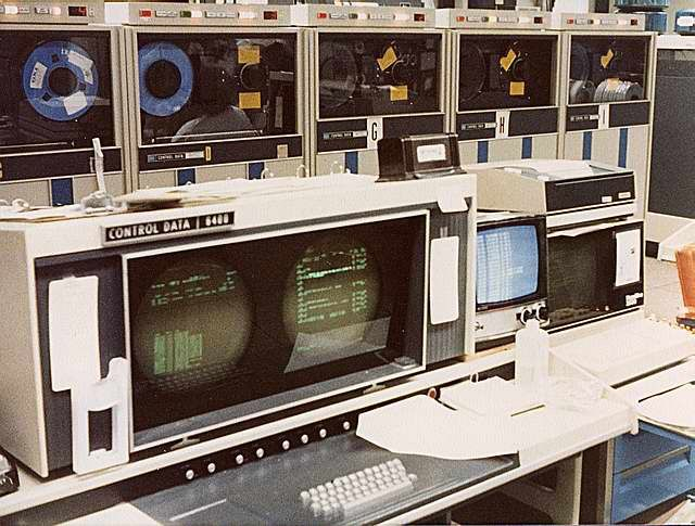 The Cdc 6400 A Member Of The Cdc 6000 Series Was A Mainframe Computer Made By Control Data Corporation In The 1 Computer History Old Computers Old Technology