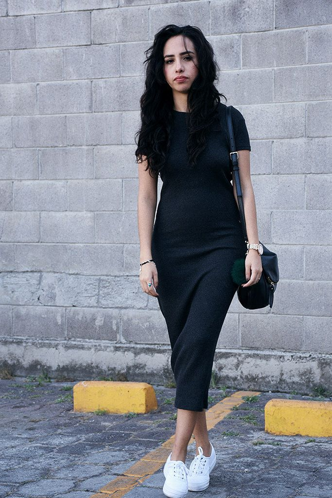 Que zapatos usar con vestido negro con blanco