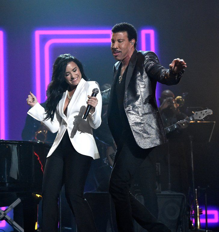 When Demi Lovato Paid Tribute To Lionel Richie At The Grammys Lovato Demi Lovato Grammy