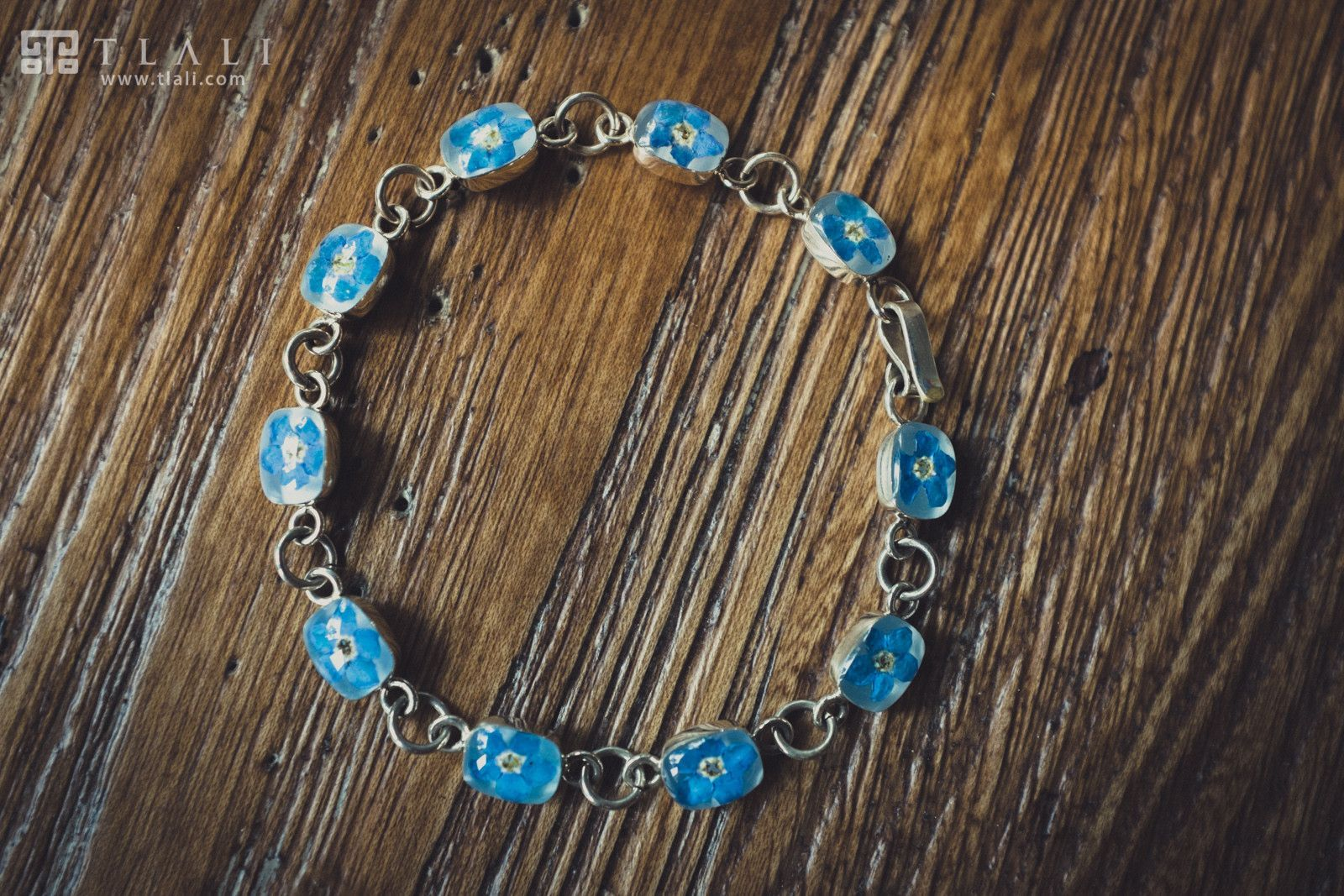 Forget-Me-Not Jewelry: Square Elegant Bracelet