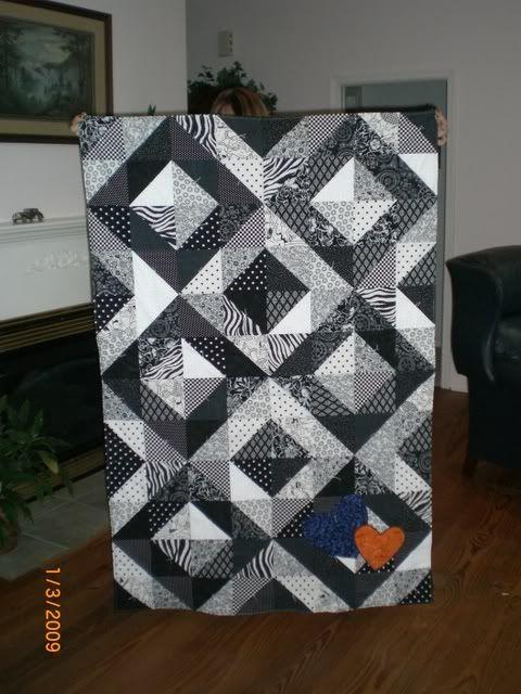 Black and white Light/Dark value quilt with diamond block   Black ... : black and white quilt patterns free - Adamdwight.com