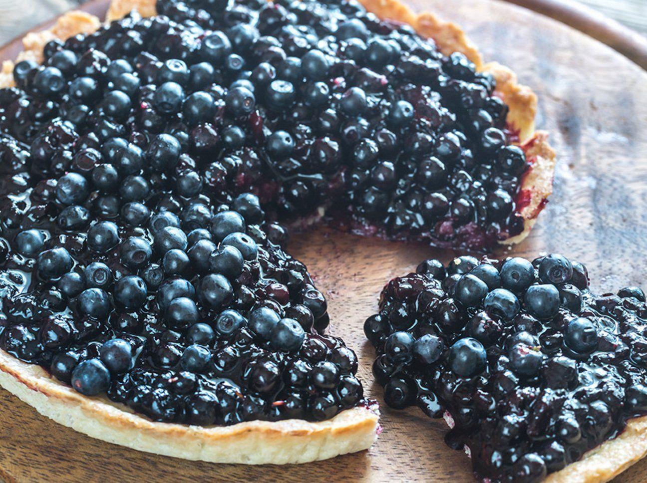 Ernährung mit null Mehl, null Zucker, aber trotzdem lecker! Das beste Rezept für eine Heidelbeer-Tarte