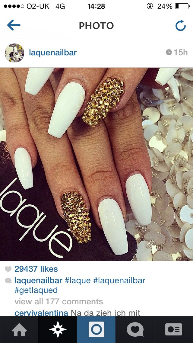 Loving White Marble Nails At The Moment