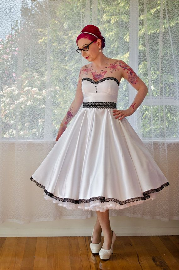 11e1fbb21d3 1950s  Rose  Pin up Strapless Wedding Dress with Sweetheart Neckline ...