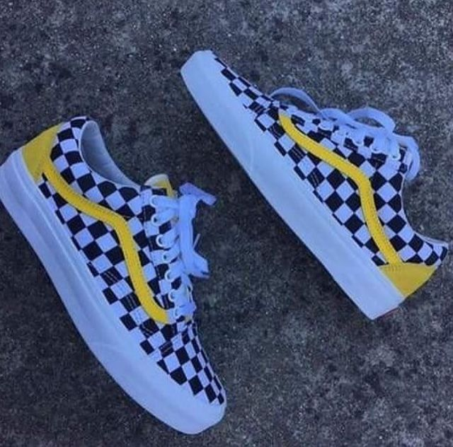 vans checkerboard yellow old skool