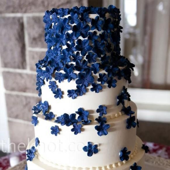 Navy Blue Wedding Color Palettes Instead Of Flowers Maybe Butterflies Hochzeitstorte Blau Zuckerblumen Kuchen Mit Blumen