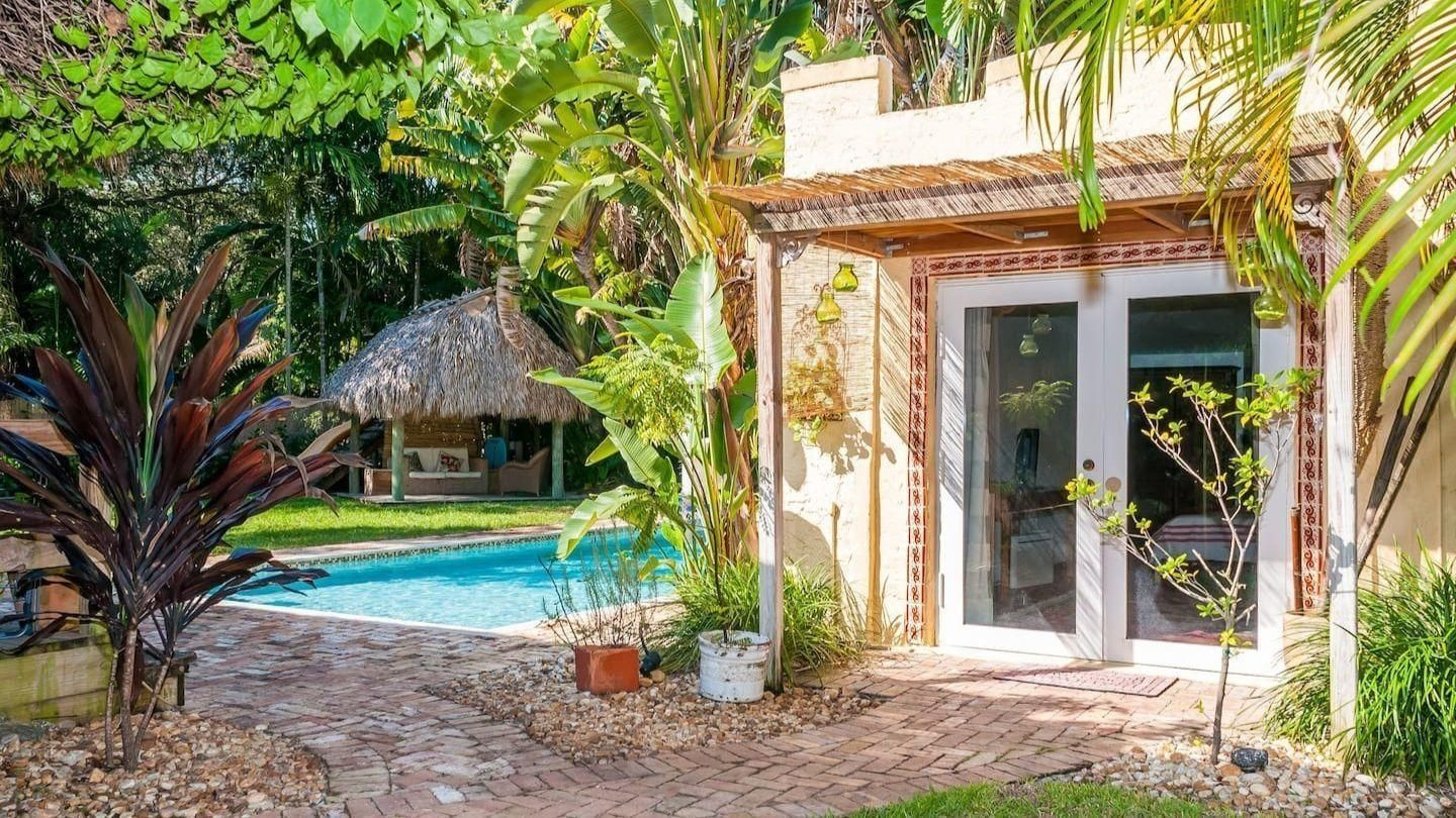 This South Florida cottage is one of the most desirable Airbnb