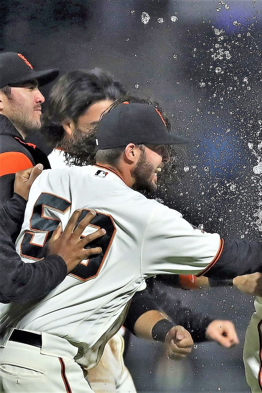 Bruce Bochy Laughs At Brandon Mccarthy S Response To Giants Manager S Rare Tweet Madison Bumgarner San Diego Padres San Francisco Giants