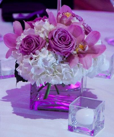 centerpiece. White & Lavender