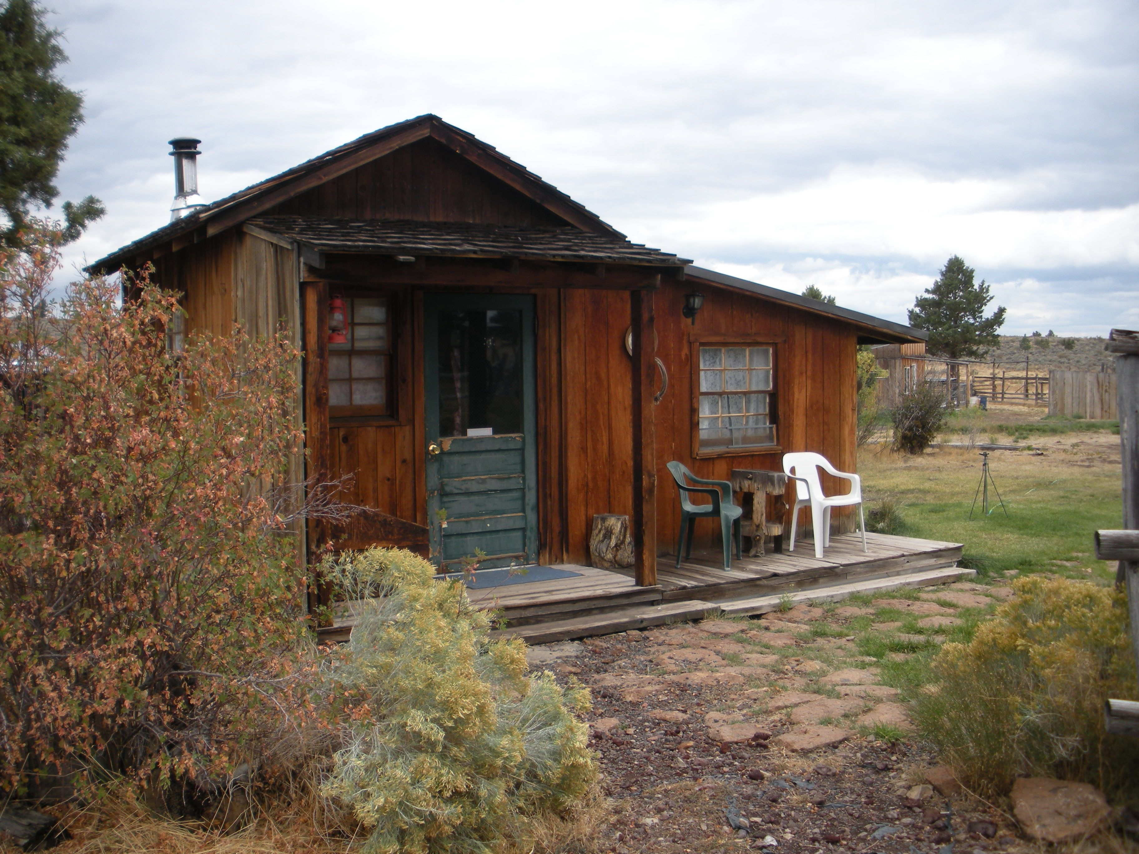 Rustic Cabins | Cowboy Dinner Tree Cabins | MY DREAM HOME AND ROOMS