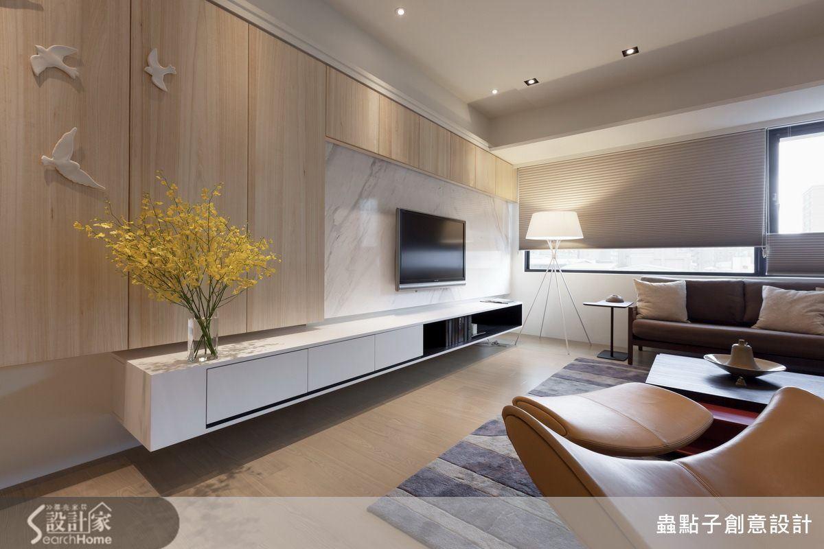 讓新家保有舊家的回憶。打造一家四口的溫馨宅 (com imagens) | Decoração sala de tv. Interiores. Design de sala de estar