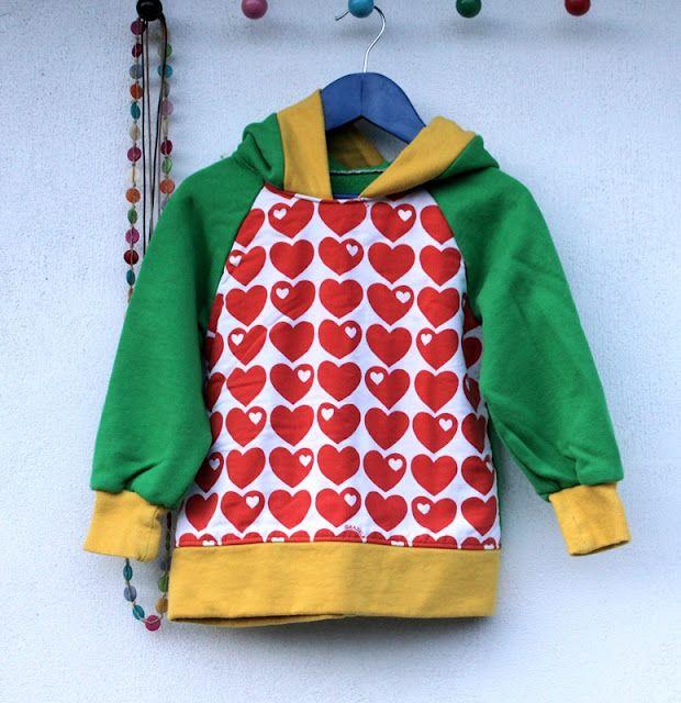 Kapuzenpulli mit Herz