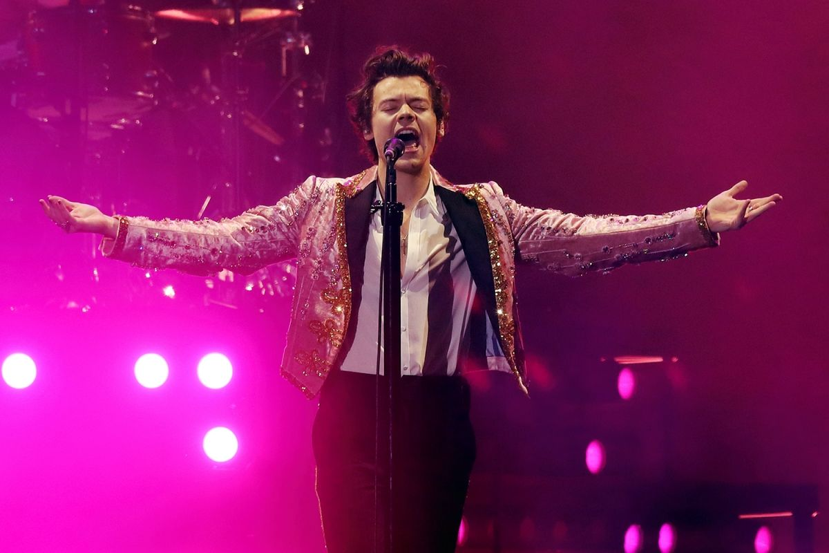 Harry Styles Joined Stevie Nicks On Stage For A Performance At