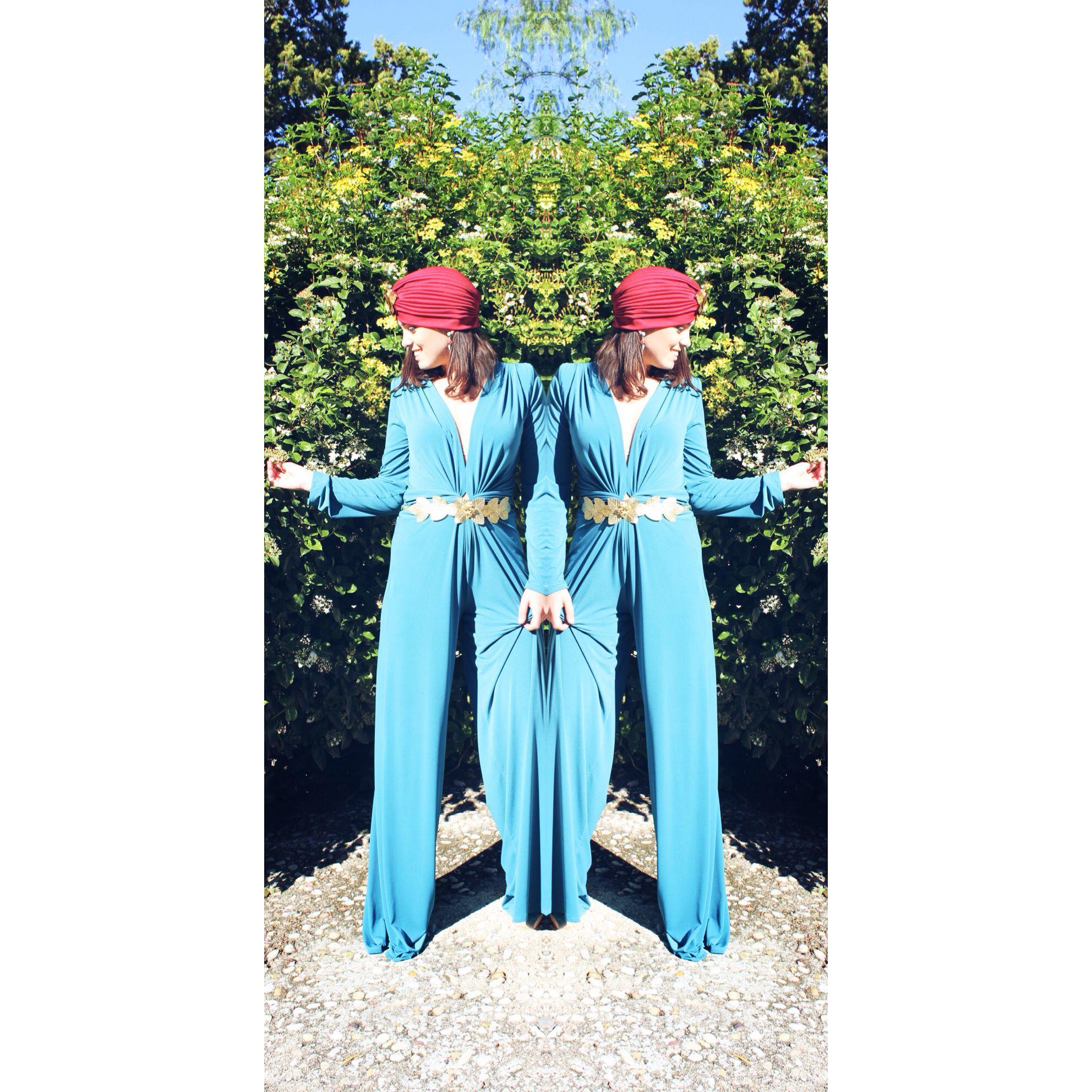 #invitadaPerfecta con #totallook by #BualáDesign atelier #mono #turbante & #cinturón hojas #pendientesJoya #lookmono