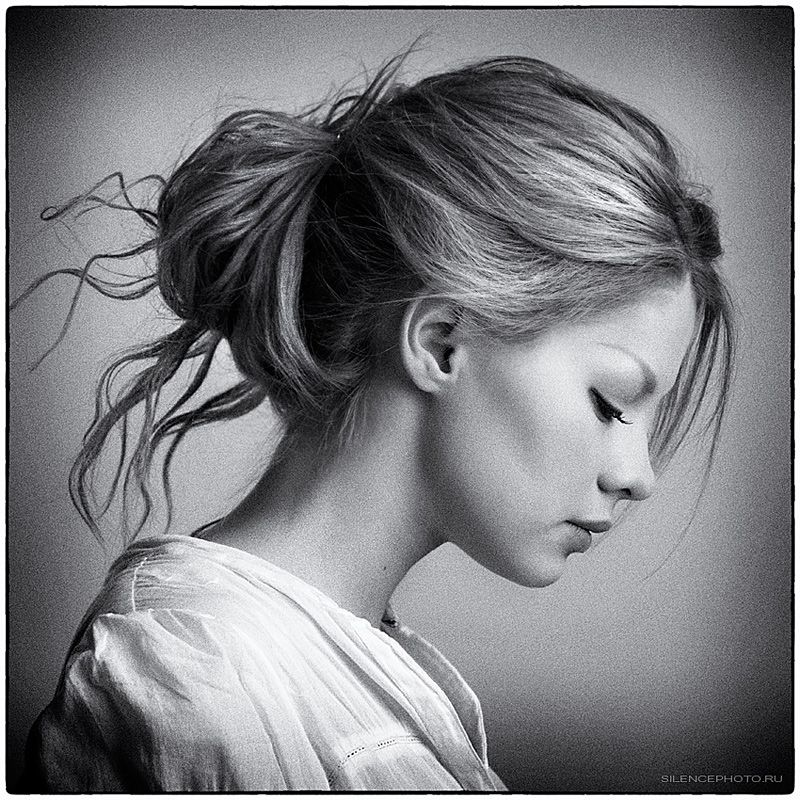 Modest Girl Sideview Black And White Portraits Proportions Simple Portrait