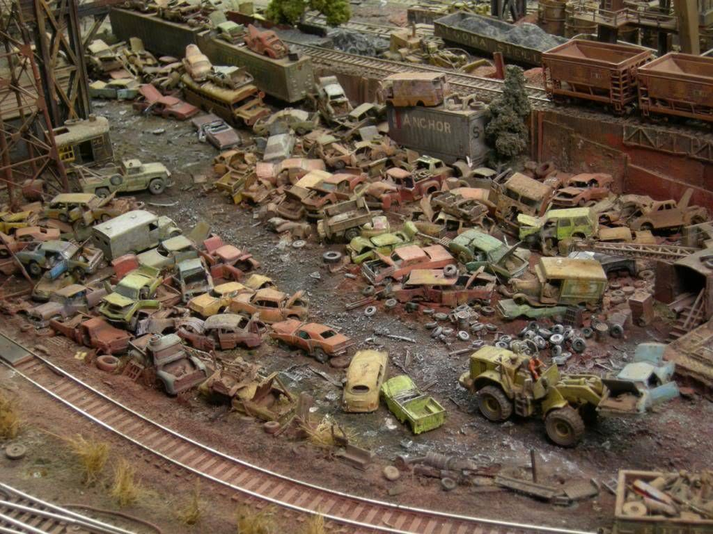Ho Model Rr Salvage Yard Scale Racing Lobby Model Train Layouts Model Trains Train Layouts