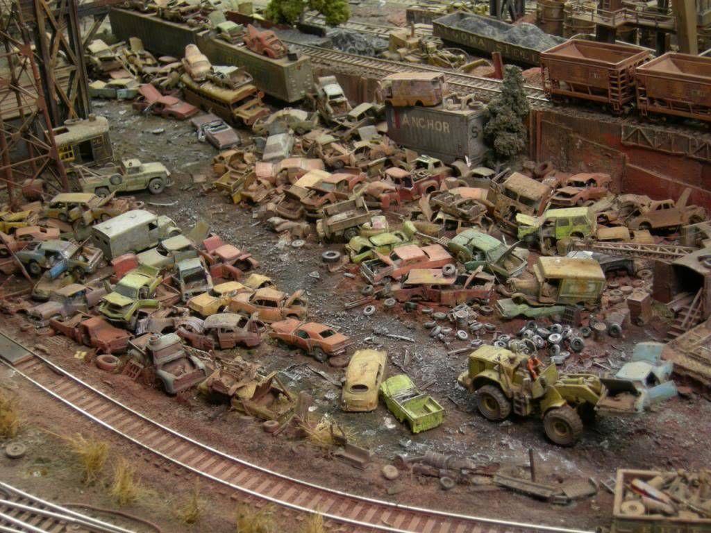 Ho Model Rr Salvage Yard Scale Racing Lobby Model Train