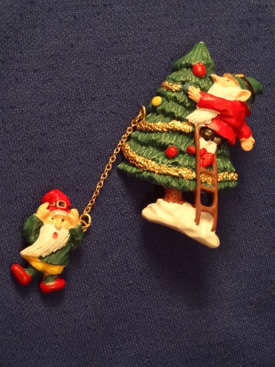 """Vintage *Elves at Work . . . """"Not A Creature Was Stirring"""" Pin*"""