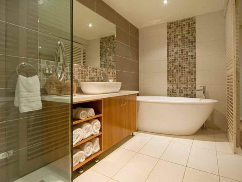 Bathroom Color Ideas For Small Bathrooms With Mosaic Pattern - Bathroom colour ideas