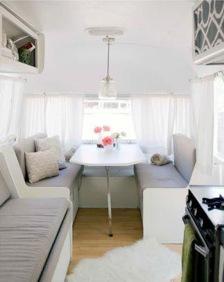 id e d co installer son bureau dans une caravane decocrush caravane et idee deco. Black Bedroom Furniture Sets. Home Design Ideas