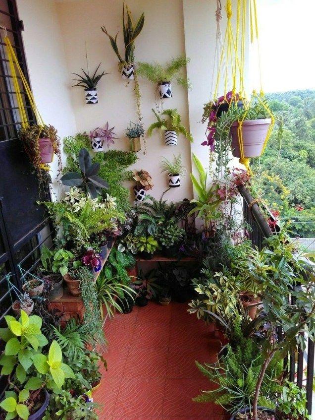 Wonderful Small Apartment Balcony Decor Ideas With Beautiful Plant 41   Jardin de petit de ...