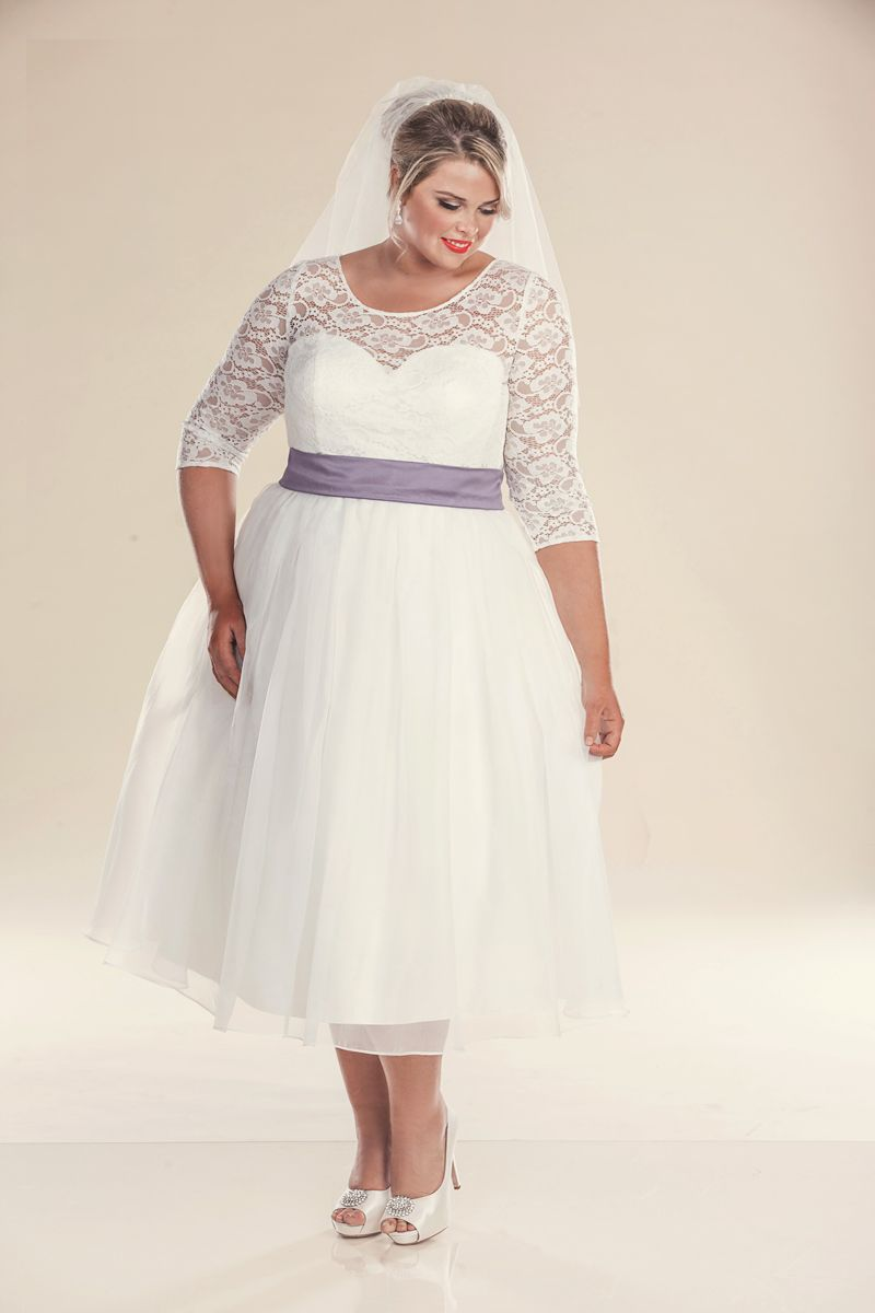 style retro plus size wedding dress with purple belt wedding