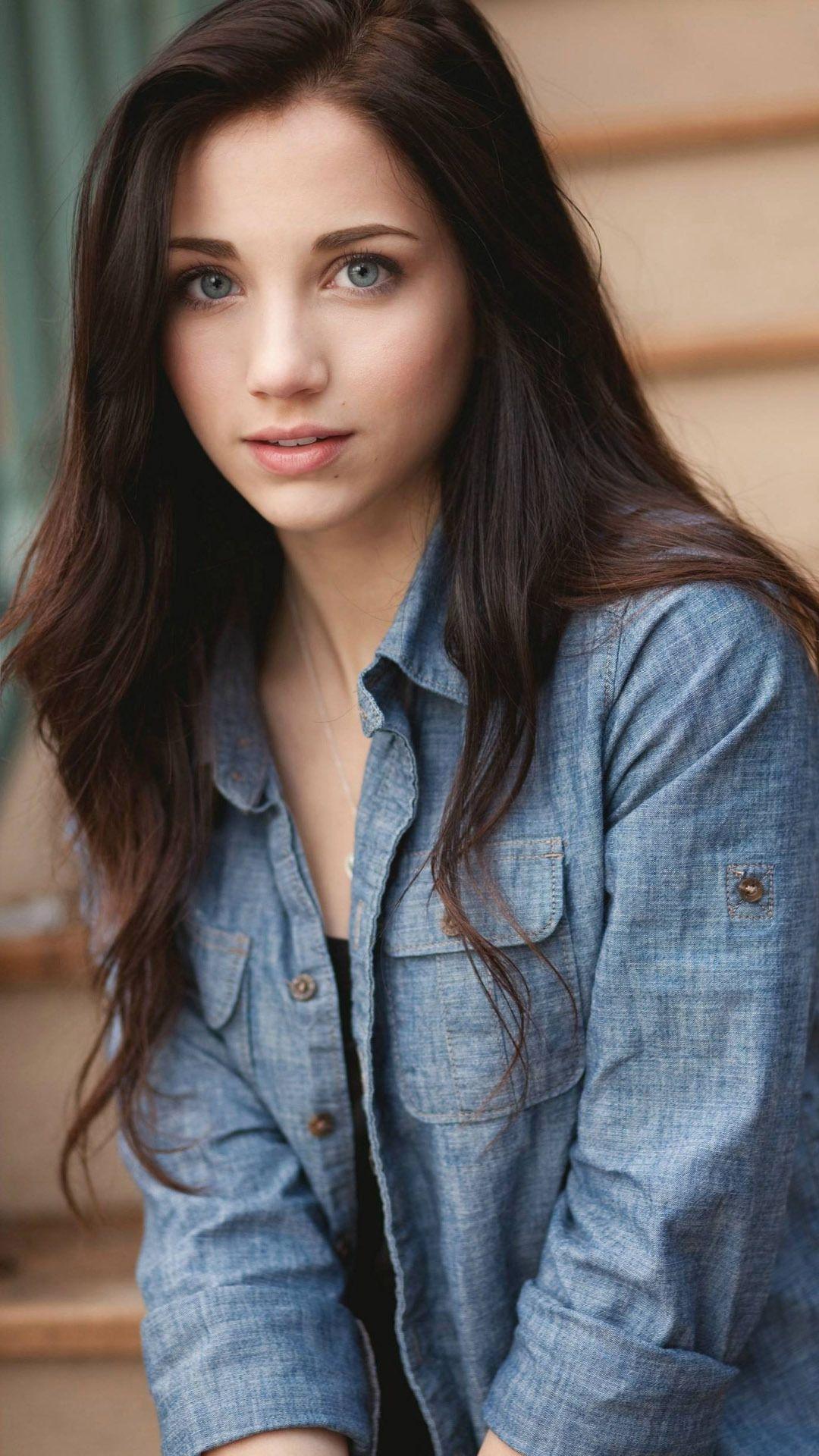Emily Rudd Wallpaper Mit Bildern Lange Braune Haare