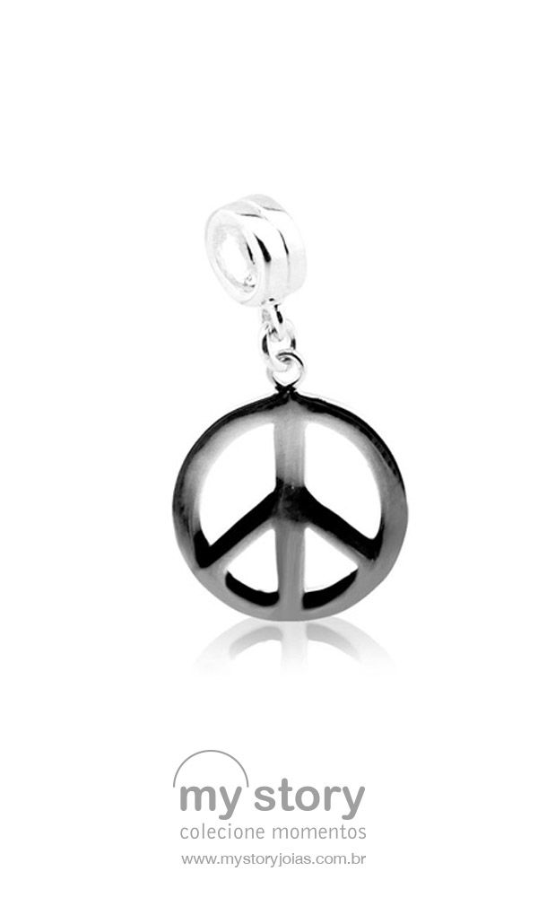"""O símbolo que representa a frase """"Paz e Amor"""" é um dos maiores ícones do mundo. Em tempos de mais """"amor e paz, por favor"""", entre nessa vibe com esse pingente! Compre aqui: https://goo.gl/wk2iTk #pg14332 #pazeamor #paz #amor #hippies #memorias #pingentes #pingente #berloques #joia #berloque #berloqueiras #mystoryjoias"""