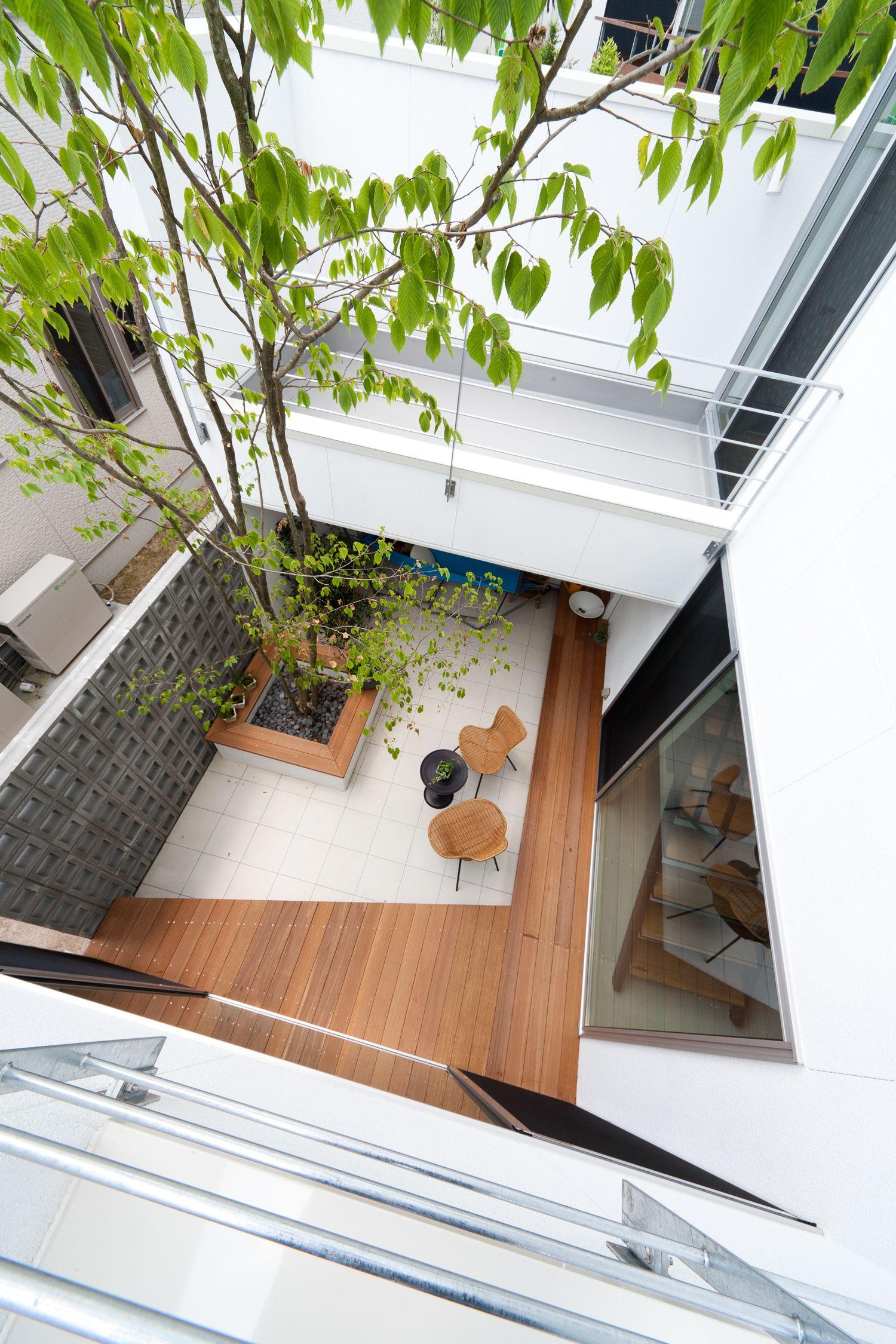 中庭でおしゃれに暮らす 家 工務 店 デザイン