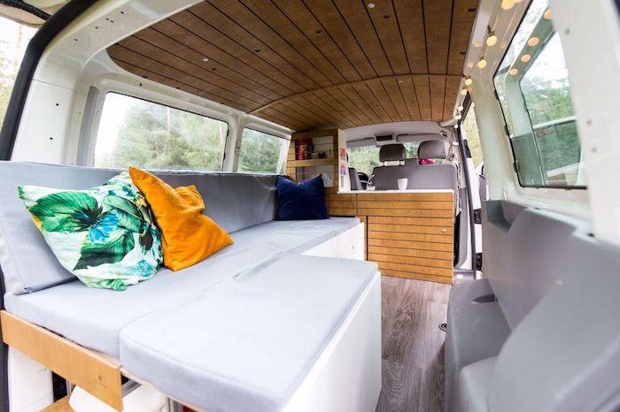 campingbus innenausbau bett ausziehbar 200 cm x 80 120 cm das funktionsbett besteht aus. Black Bedroom Furniture Sets. Home Design Ideas