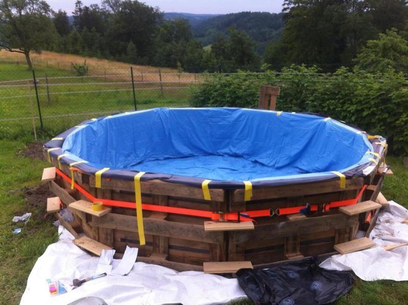 C mo hacer una piscina con 10 palets good stuff for Piscinas de madera baratas