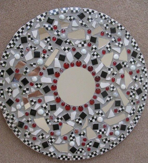 Ayna çerçevesi süsleme yapımı fikirleri 20 adet www.canimanne.com…  Check… Çocuk Odası
