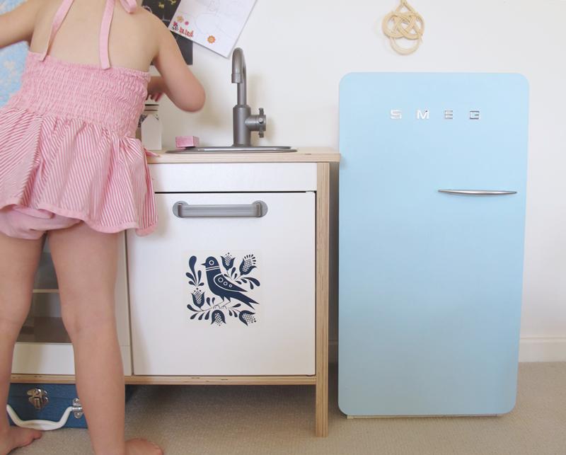 MAKE A SMEG FRIDGE FOR THE KIDS Smeg fridge, Ikea kids